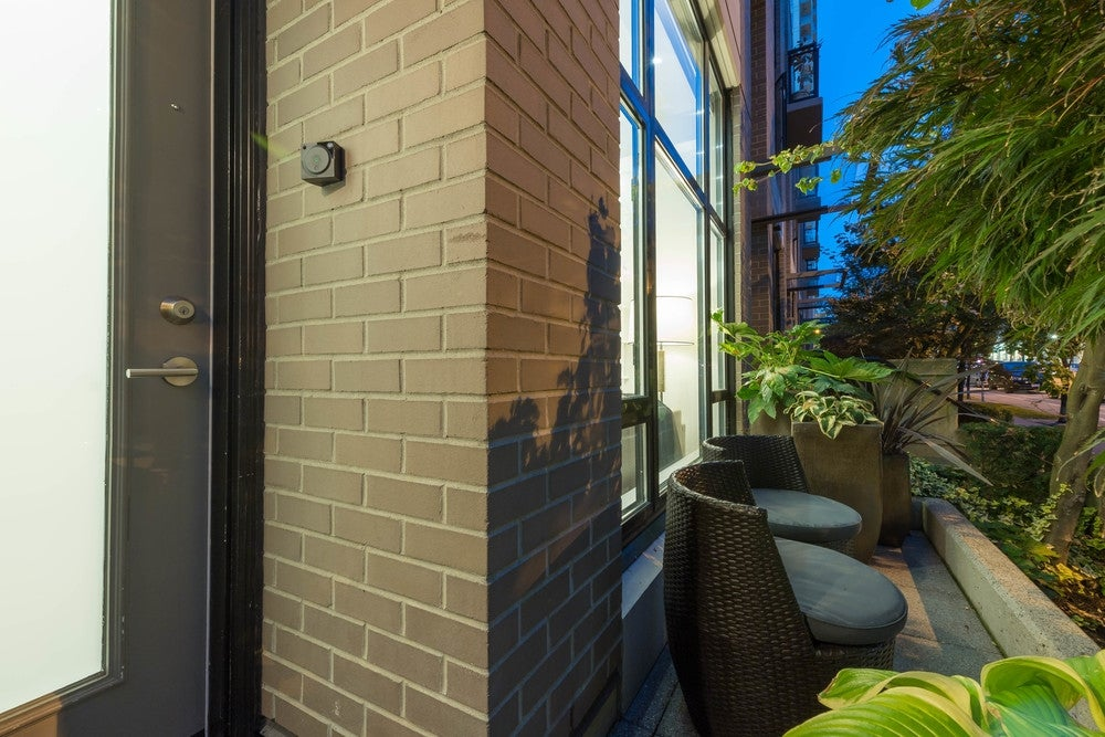 1269 RICHARDS STREET - Downtown VW Townhouse for sale, 2 Bedrooms (R2108322) #2