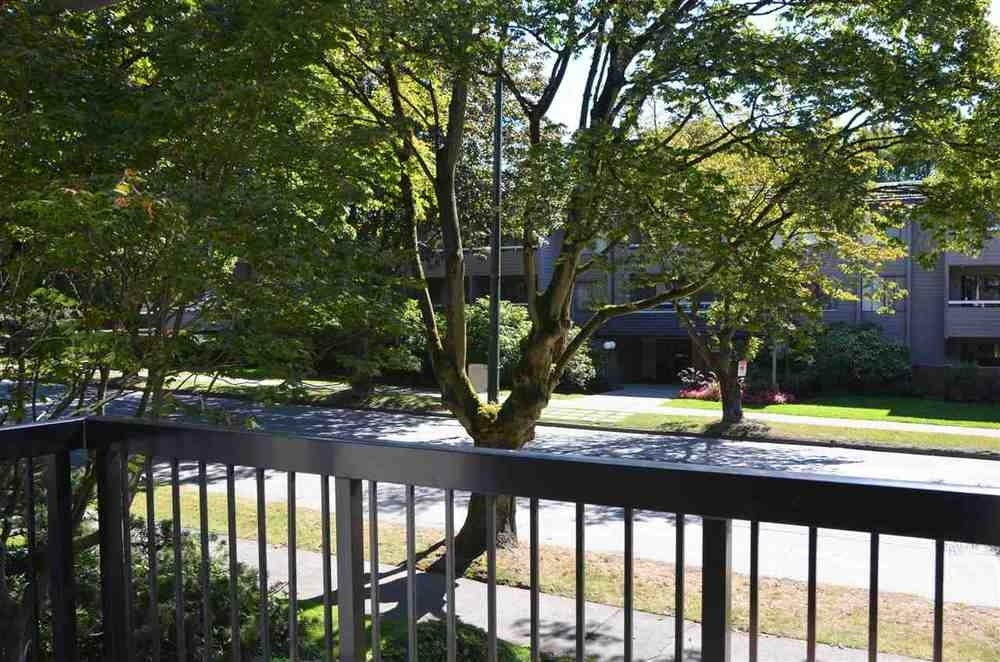 205 2770 Burrard Street - Fairview VW Apartment/Condo for sale, 2 Bedrooms (R2117749) #15