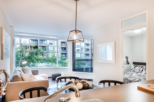 318 1330 BURRARD STREET - Downtown VW Apartment/Condo for sale, 1 Bedroom (R2209947) #1
